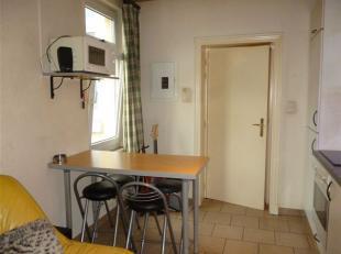 SAINT-SERVAIS<br /> - Chaussée de Waterloo 298Studio lumineux avec<br /> pièce principale, coin kitchenette équipée (frigo