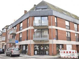 JAMBES<br /> - Rue de Coppin, 77Bel appartement d'une chambre<br /> situé au troisième étage d'une petite résidence avec<b