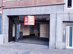 NAMUR, Marché<br /> Saint Rémy 14Spacieux rez de chaussée commercial<br /> de +- 150 m² disponible en plein coeur de Namur,