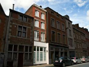 Namur...Jolie maison de ville 2 façades , rénovée aux gouts du jour en 2013. <br /> Elle se compose : living , une cuisine &eacut