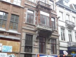 Rue Godefroid, 43 à 5000 Namur.± 36m² situé au 2ème étage arrière (sans ascenseur).Comprenant : s&eacut