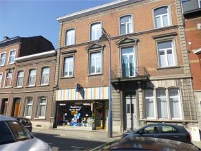Rue Patenier, 60 à Namur SalzinnesAppartement récemment rénové avec vue living dégagée et comprenantHall, li