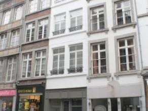 Situé en plein centre, nous proposons un superbe appartement très cosy de 55m² au 1 ier étage dans une maison de caract&egra