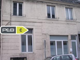 REZ-DE-CHAUSSÉE (Revêtement de sol: carrelage) Appartement 1 chambre de 75 m²  Salon de 26 m²; salle à manger de 15 m&su