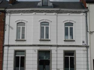 Gembloux centre - magnifique maison de Maître à usage de bureaux ou commerce : +/- 300 m² sur 3 étages + caves 70 m² et