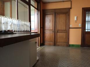 Immo Tara vous invite à découvrir un bel appartement au rez-de-chaussée à proximité du CHR. <br /> Proche de toutes