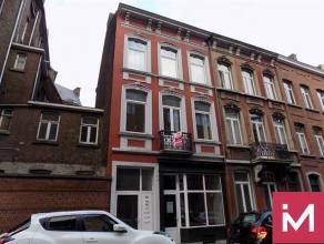 A louer, appartement en plein centre de Namur, situé au 1er étage d'un immeuble à appartements, dans une rue calme à deux