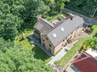 Faire offre à partir de 990.000 LA HULPE : Superbe maison datant de 2004, à proximité immédiate du lac de Genval, sur terr