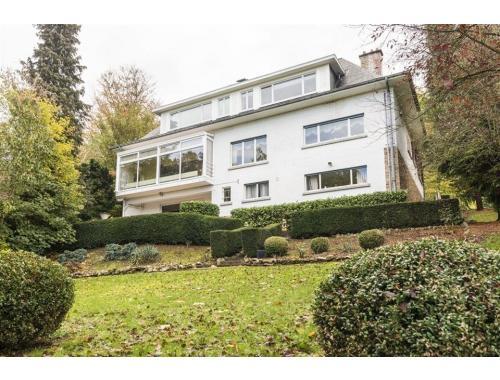 Villa te koop in Namur, € 499.000
