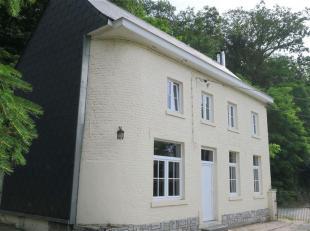 *** OPTION *** Les Viviers vous propose cette charmante maison rénovée en 2013, située au coeur du village et bénéf