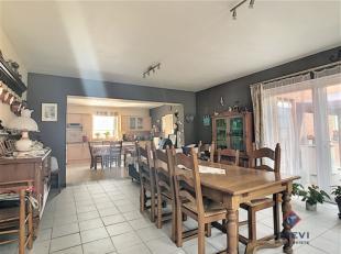 SOUS OPTION - Philippeville : Trevi La Propriété vous présente cette belle et très spacieuse maison offrant plus de 300m&s