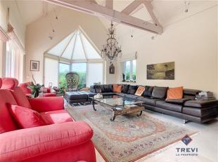 GERPINNES: Trevi la Propriété vous présente cette confortable et spacieuse villa de type longère sous toit de chaume. Id&e