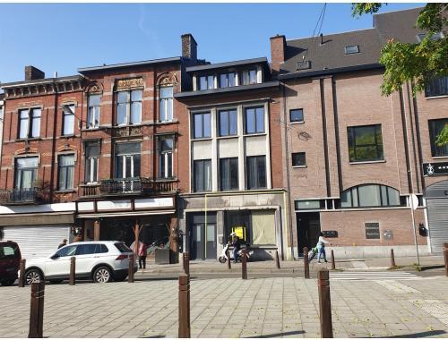 Handelszaak te huur in Charleroi, € 780