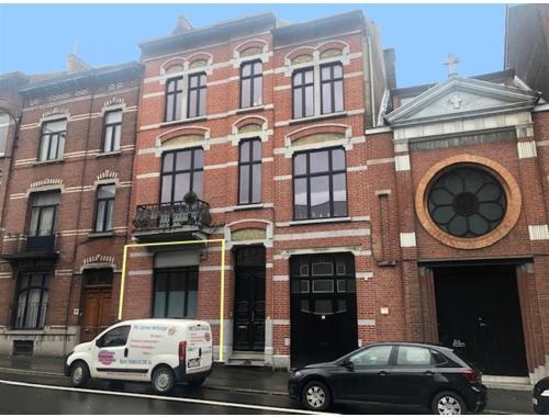 Kantoor te huur in Charleroi, € 1.000