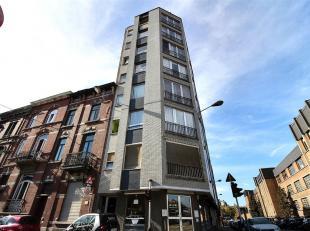 Bel appartement situé proche de toutes facilités, idéal pour investisseur.Au rez de chaussée : Hall d'entrée s&eacu