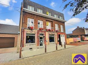 Sous Option.Nous vous proposons à la vente au sein de la commune de Souvret (6182) ce bel immeuble mixte composé de 3 entités (2