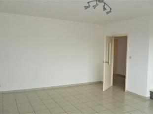 Spacieux appartement avec garage et terrasse, situé à deux pas de l'hôpital Marie Curie et de toutes facilités (transports