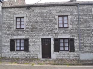 CERFONTAINE, Agréable maison villageoise en pierres du pays comprenant : au rez de chaussée : salon, sàm, cuisine semi éq,