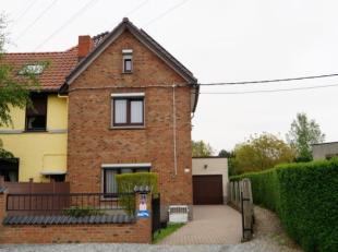 A SAISIR !! Magnifique maison située dans un quartier calme à proximité du centre ville comprenant: living spacieux, une nouvelle