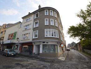Arlon centre proche de toutes les commodités, agréable appartement situé au 1er étage dune petite résidence. Il se