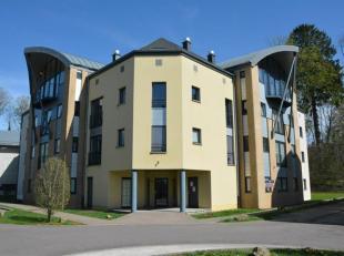 Dans le centre dArlon, appartement 1 chambre située au 3ème étage dune résidence construite en 2008, avec ascenseur. Une p