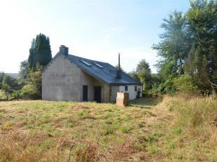 Dans la commune de Herbeumont, à Saint-Médard, ancienne fermette à rénover, sur environ 61 ares en zone d'habitat. Cette a