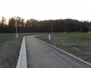 Verschillende bouwgronden gelegen in een residentiële buurt van het centrum van Bastogne. In de nabijheid van de scholen, winkels en bushaltes. V