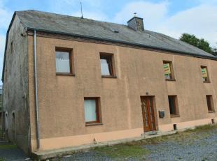 Belle propriété dans la commune de Vaux-sur-Sûre offrant la possibilité de faire 2 logements. La maison comprend hall d'ent