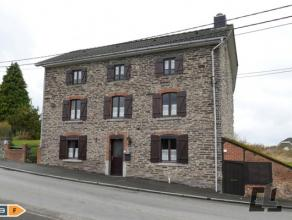 Très belle maison en pierres du pays, ancienne fermette mais complètement rénovée avec encore possibilités dagrandi