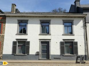 Klassieke woning gebouwd in de jaren 1875-1899, met nog alle charme van weleer, blauwstenen vloer, eiken parket, blauwstenen gootsteen, Delfts keramie