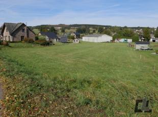Mooi perceel van 1.795 m2, volledig gelegen in woonzone met landelijk karakter op het platteland. Ideaal voor de constructie van een vrijstaande wonin