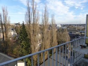 Proximité Centre Arlon à 300 m de la gare : Appartements 3 chambres ( 2 grandes, 1 petite) composé d'un hall d'entrée, d&e