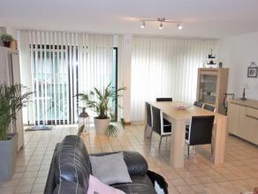 Appartement situé dans le centre d'Arlon, composé de la sorte; Un hall d'entrée, un séjour,et une cuisine équip&eac