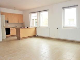 Composé d'un hall d'entrée avec espace vestiaire, un wc séparé, une buanderie, un séjour-salle à manger ouve