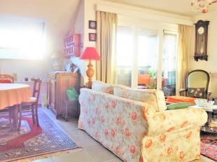 Appartement de 2007 situé dans un quartier calme d'Arlon. Proche des grands axes. Composé d'un hall d'entrée + espace vestiaire,