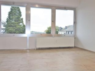 Appartement situé à proximité de la gare et du centre-ville d'Arlon. Entièrement rénové en 2019 cet appartem