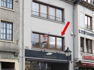 Bel et lumineux appartement au 1er étage d'un immeuble situé en plein centre de Bouillon-sur-Semois. Cet appartement a été
