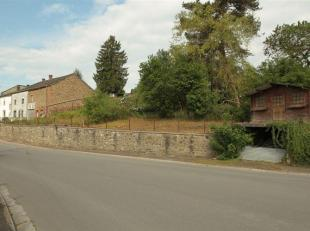 Terrain à bâtir d'une superficie de 400m² situé dans le village de Noirefontaine, commune de Bouillon-sur-Semois.<br /> Noire