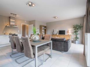 Cet appartement 2 chambres de 81.02 m² avec terrasse (10.66 m²) et jardin (193.53 m²) fait partie du Domaine de l'Aurore. Ce domaine es