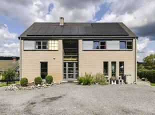 Dans un quartier résidentiel de Wellin, nous vous proposons aujourd'hui cette agréable maison 4 façades, comprenant en outre un a