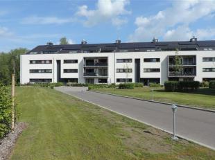 SOUS COMPROMIS - PLUS DE VISITE !!! Dans un endroit calme et verdoyant, à 10 min du centre de Mons à pied, superbe appartement basse &ea