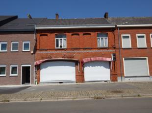 Chemin Frontière 49-50 - PERUWELZ. Ensemble commercial et habitation avec jardin comp.: rez: 2 entrées séparées avec 2 sur
