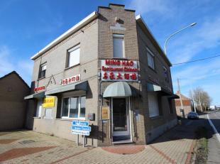 Givry (Quévy) - Route de Mons-Maubeuge 96. Immeuble commercial avec 1 appartement au 1. et au 2. étage. Rez: gd salle de restaurant+bar,