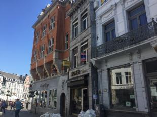 Rue de la Coupe 3. Centre ville. Rue Piétonne. Immeuble commercial comp. surface commerciale +/- 37 M² Libre d'occupation. 1er et 2&egrave