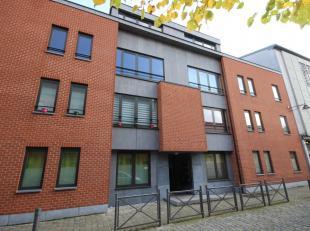 Mons rue du Gazomètre 3/3.1, très bel appartement meublé +/- 113m² situé au 3ème étage comprenant : gra