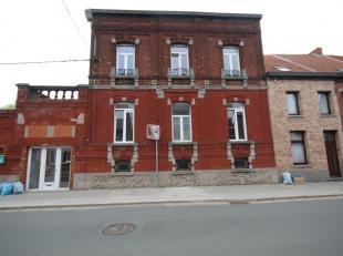 CUESMES rue de l'Etang Derbaix 46. A proximité de toutes commodités (transports en communs, magasins, pharmacie, écoles...) 1 stu