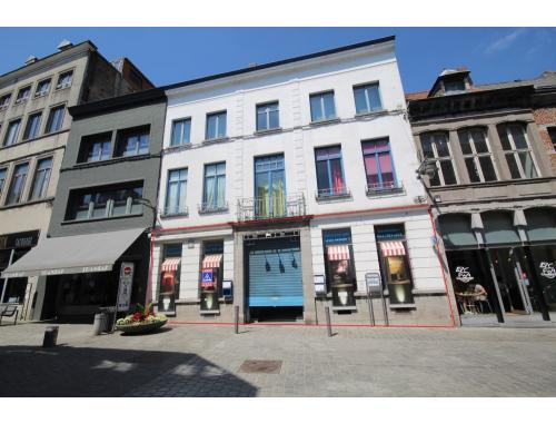 Bâtiment commercial à vendre à Mons, € 145.000