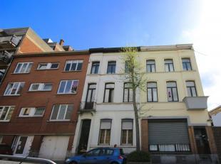 Mons rue d'Egmont 7/2. Très bel appartement (48m²) 1 chambre proche des grands axes routiers et du centre ville comp.: salon/sàm, 1