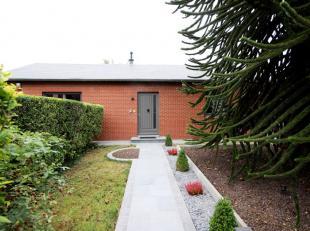 Aulnois rue de la Gendarmerie 6, belle villa de plain-pied +/- 72m² comprenant : hall d'entrée, wc séparé avec lave-mains, s