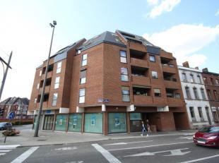 Place des Chasseurs à pied 1/2.2 à 7000 MONS. Joli appartement de 115m² situé au deuxième étage en plein coeur